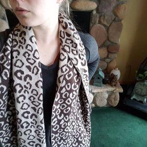 CALVIN KLEIN leopard print reversible scarf brown
